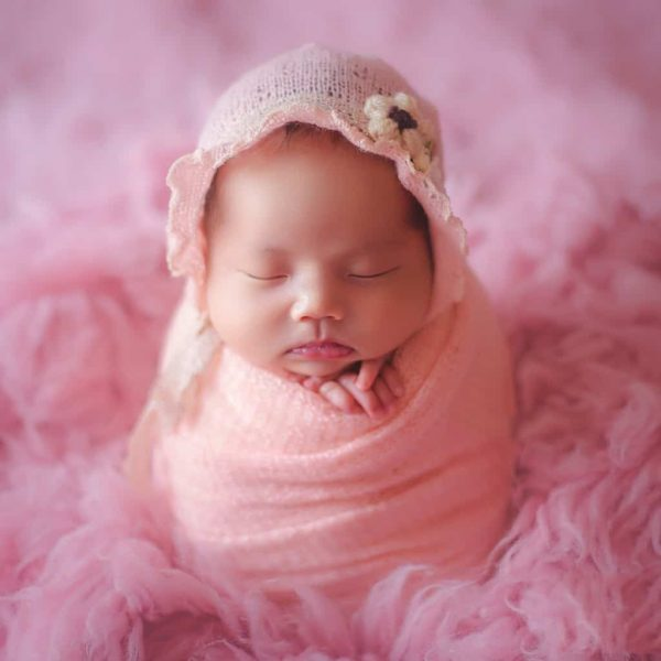 Baby hat and blanket for photo shoot